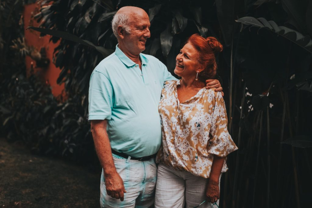 Sexo na terceira idade - como as pessoas hoje em dia se sentem mais livres, também há idosos tendo relações casuais.