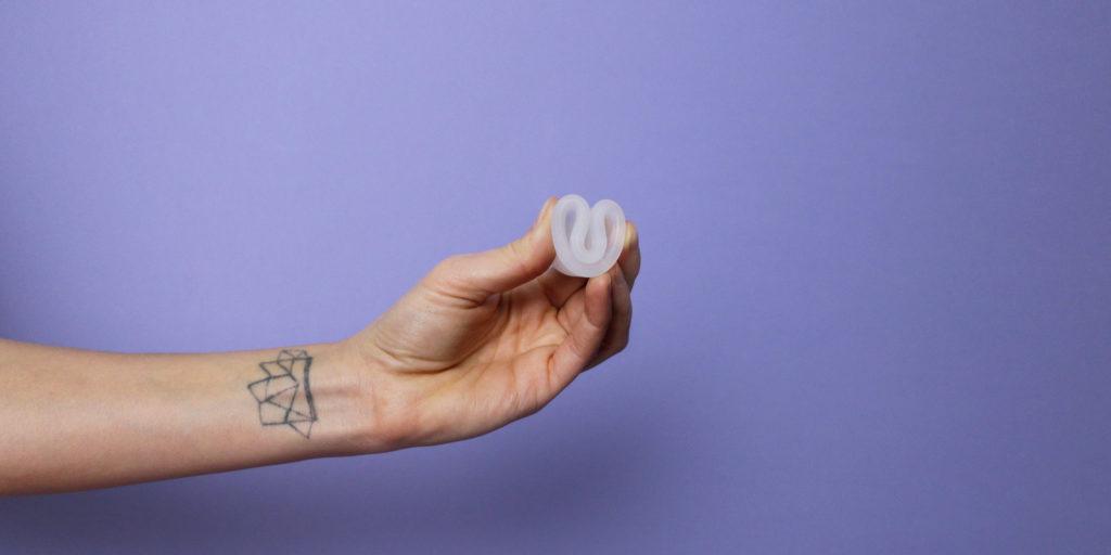 Coletor menstrual é solução sustentável para o seu ciclo.
