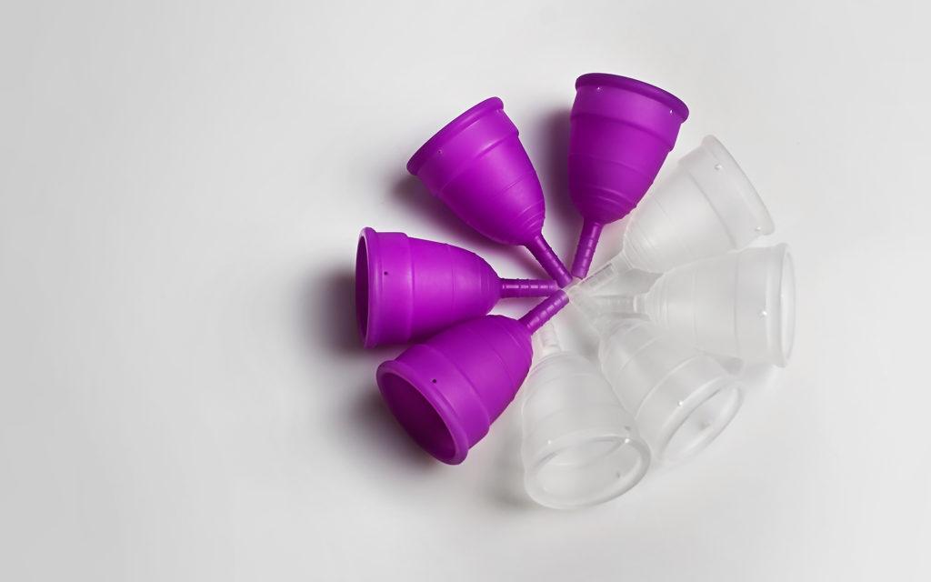 Há outras cores de coletor menstrual!