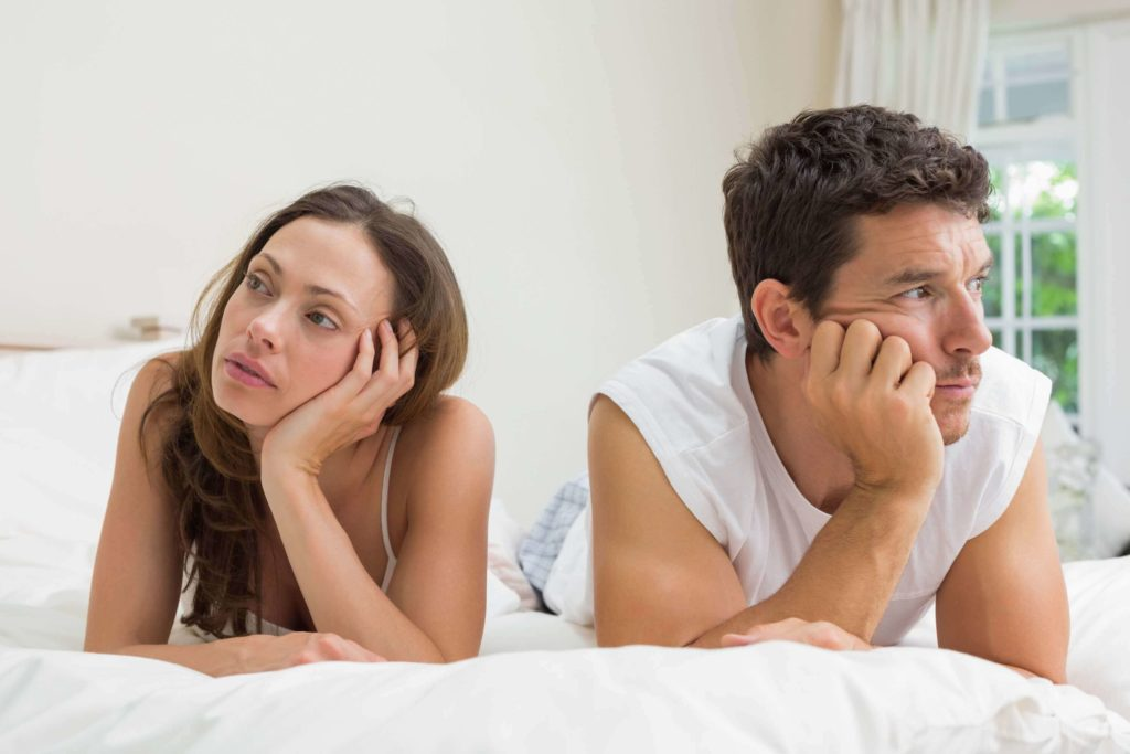 Ejaculação precoce - também pode ser definida como a ejaculação que ocorre em menos de 2 minutos ou 10 impulsões após a penetração.