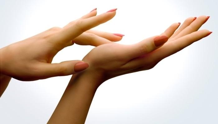 estimular clitóris com a mão