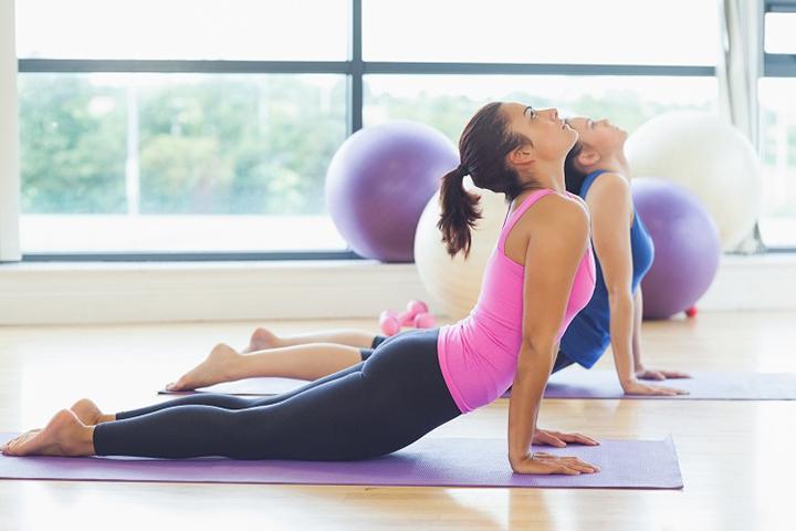 exercício para cólica menstrual