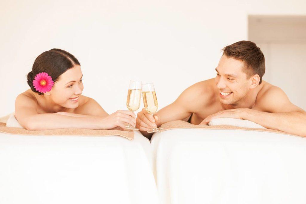 A massagem tântrica para casais é uma experiência de massagem erótica com seu parceiro.