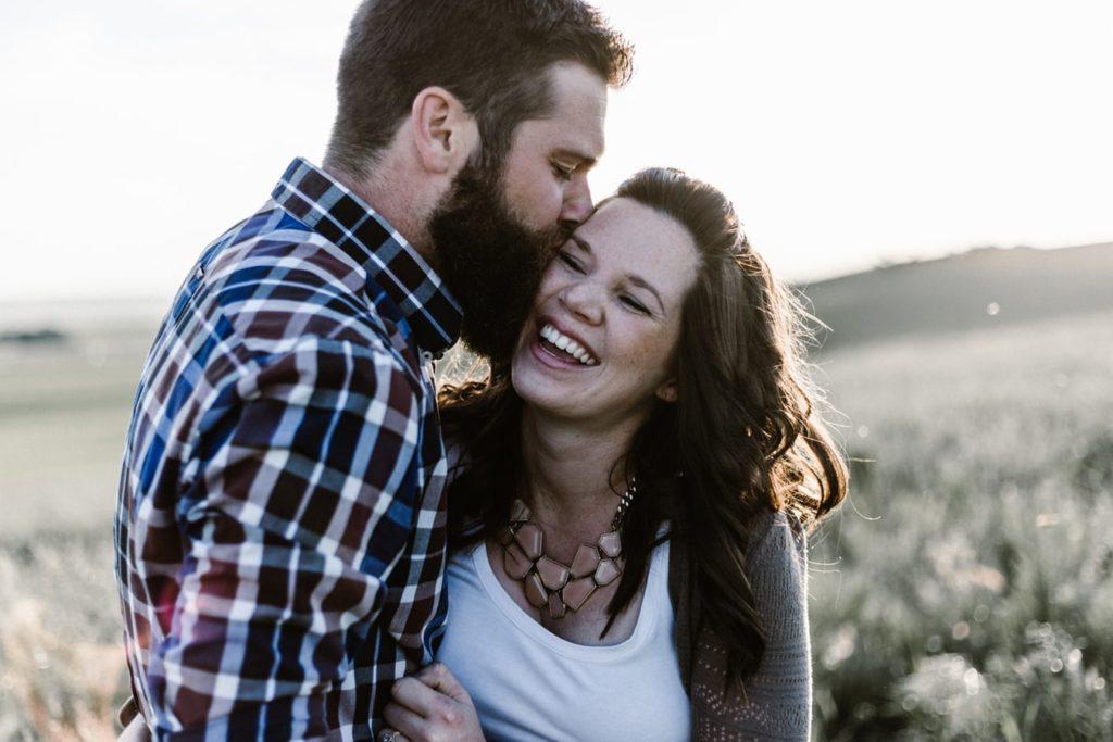 como arrumar um namorado depois do divórcio - da mesma forma que a falta de emprego, o tempo integral em casa também atrapalha a autoestima da mulher.