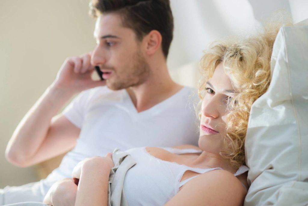 Phubbing é um problema que está destruindo relacionamentos.
