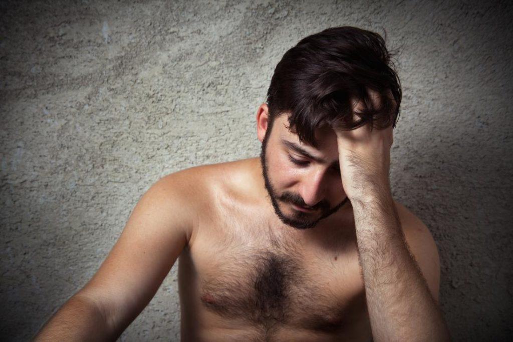Portanto, a satiríase é uma compulsão sexual em que o homem não consegue controlar seus impulsos sexuais.
