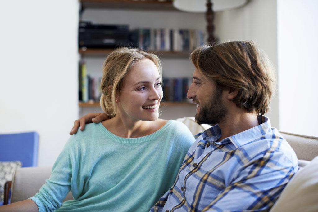 Uma das razões mais comuns para buscar a terapia de casal é a necessidade de ajuda para superar uma grande quebra de confiança ou traição.